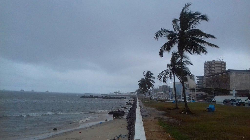1024px Libreville bord de mer