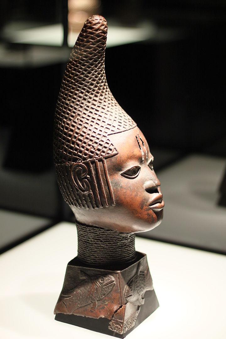 720px Afrikaabteilung in Ethnological Museum Berlin 29