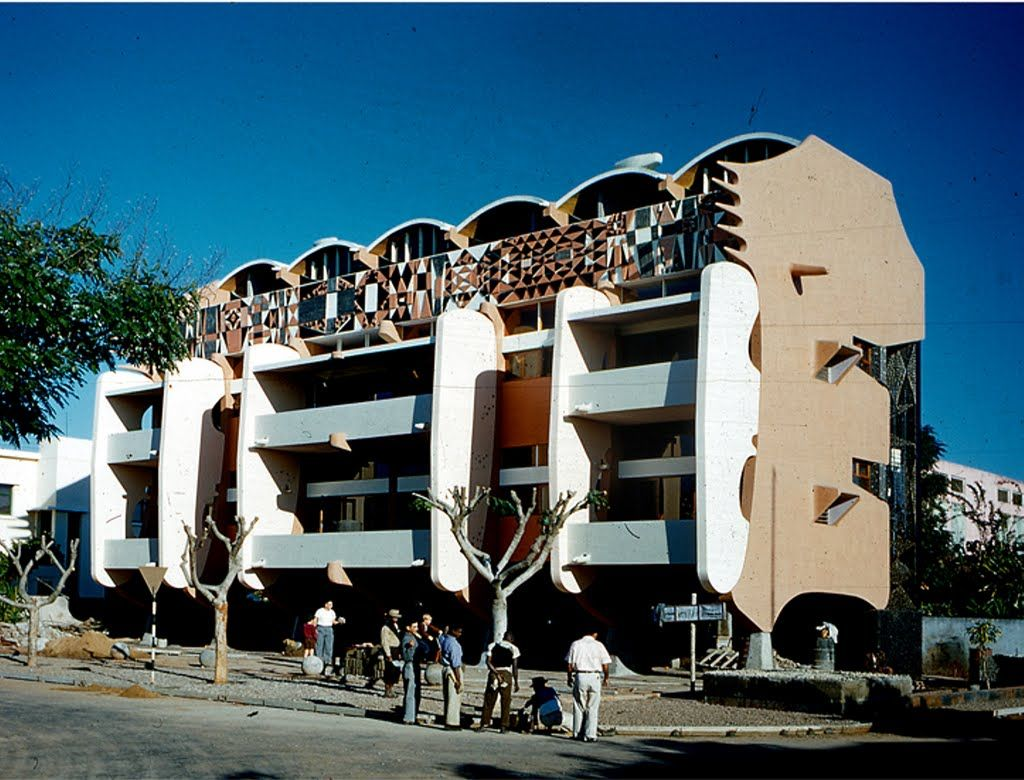Pancho Guedes Smiling Lion Building 2